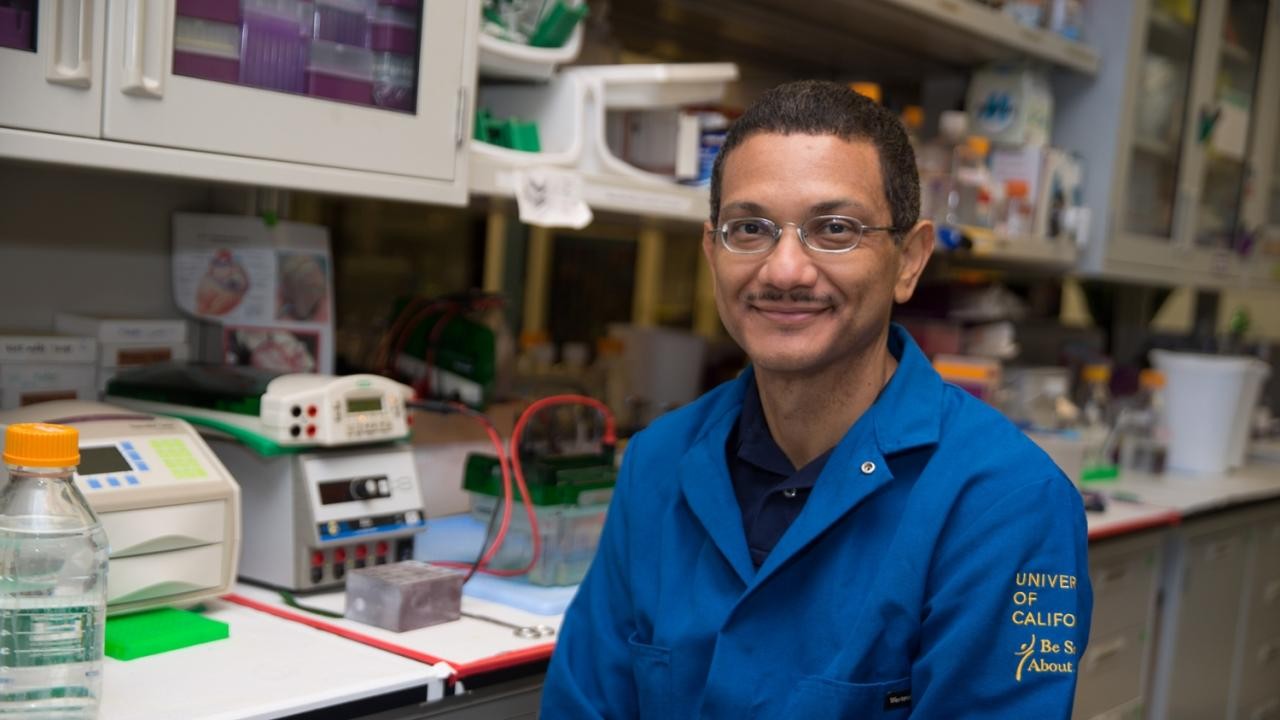 Aldrin Gomes, associate professor of neurobiology, physiology and behavior, explores the molecular clues of the proteasome to help medical professionals better manage heart disease. David Slipher/UC Davis