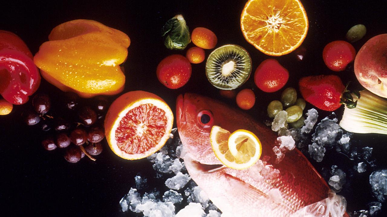 Vitamins, omega fatty acids, glucose and many other food-derived molecules provide signals the brain for different functions. National Cancer Institute