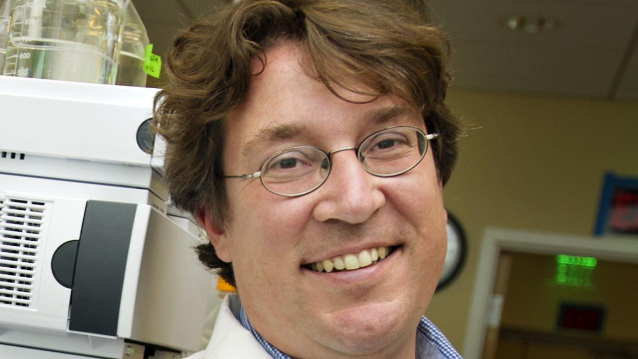 Professor Oliver Fiehn holds joint appointments with the College of Biological Sciences Department of Molecular and Cellular Biology and the UC Davis Genome Center.
